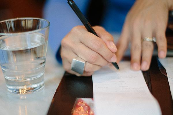 signing bar restaurant bill